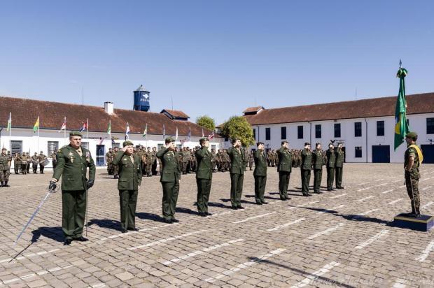 3º GAAAe de Caxias do Sul faz homenagens no Dia do Exército Marcelo Rodrigues Guisolfi/divulgação