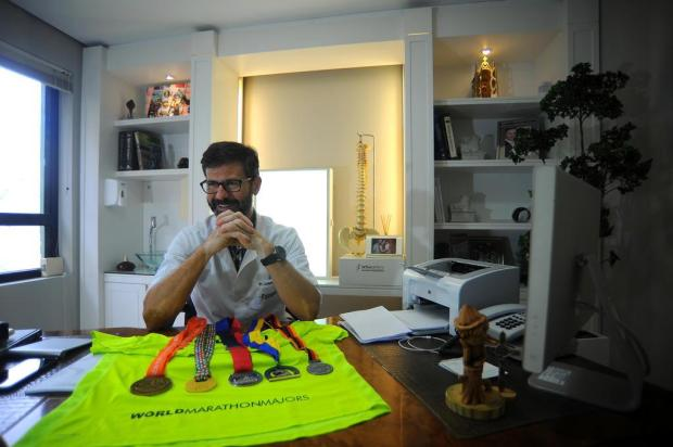 Médico de Caxias completa, neste domingo, circuito das seis maiores maratonas do mundo Felipe Nyland/Agencia RBS