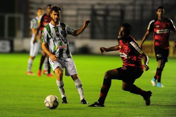 Juventude sai na frente, mas tropeça em casa e fica no 1 a 1 contra o Oeste Porthus Junior/Agencia RBS