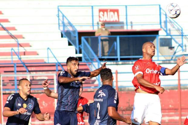 Com três gols de cabeça, Caxias estreia com vitória sobre o Inter de Lages, em SC Nilton Wolff/O Goleador
