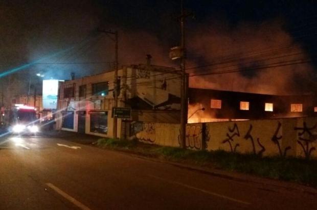 Incêndio que atingiu loja de colchões em Caxias começou em desmanche, diz IGP Polícia Rodoviária Federal/Divulgação