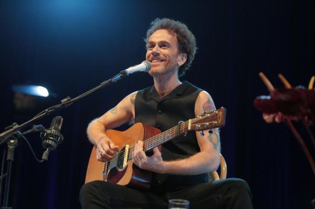 """""""É um show mais intimista, diferente de um show com banda"""", diz Nando Reis, atração em Caxias divulgação/divulgação"""