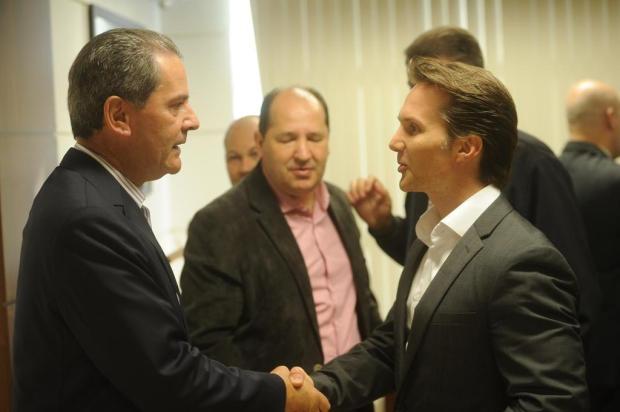 Adversários, prefeito de Caxias e ex-prefeito estão em meio a decisões desfavoráveis Diogo Sallaberry/Agencia RBS
