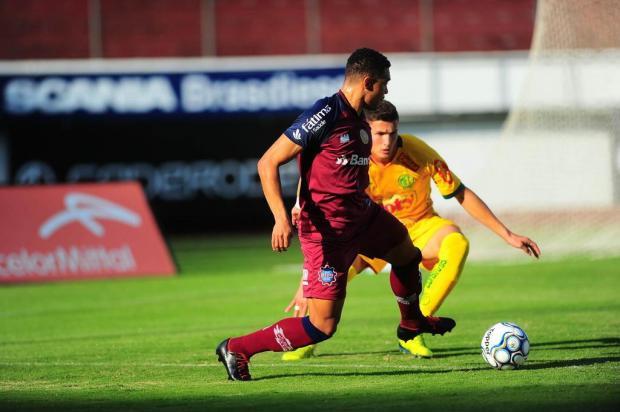 Nathan avalia que Caxias precisa arriscar mais para voltar a vencer no Centenário Porthus Junior/Agencia RBS
