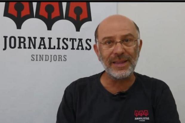 """Presidente do Sindicato dos Jornalistas do RS se desculpa por """"tom um pouco mais enérgico"""" com repórter em acampamento pró-Lula Facebook/Reprodução"""