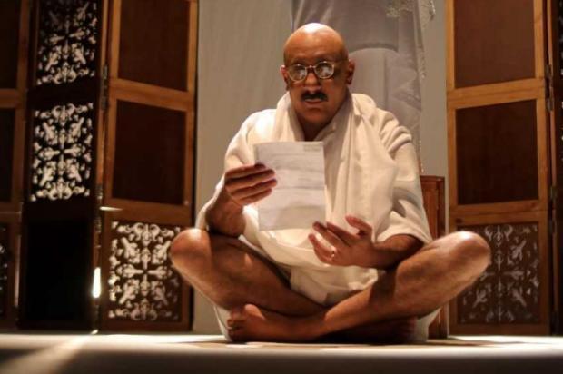 Espetáculo sobre a vida de Gandhi será encenado neste domingo, no Teatro Murialdo Sergio Lelys/Divulgação