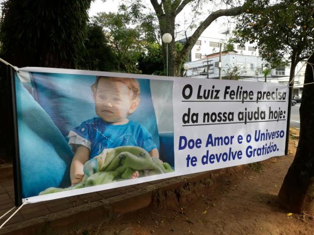 Pedágio beneficente arrecada doações para custear cirurgia de bebê de Bento Gonçalves Simone Lunelli / Divulgação/Divulgação