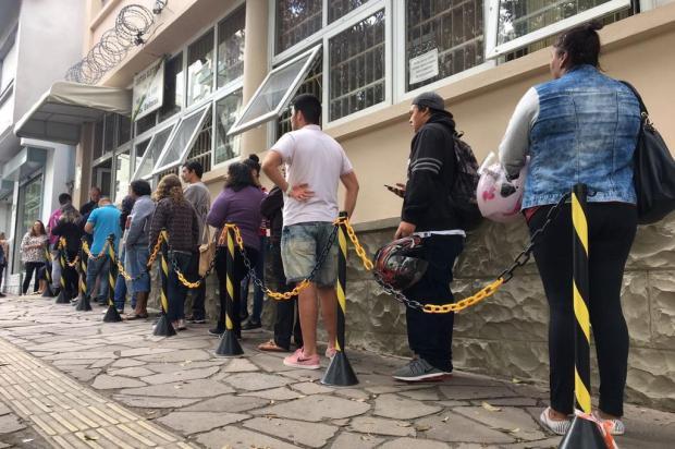 A poucos dias do fim do prazo para regularização do Título Eleitoral, cartório volta a apresentar filas em Caxias Mateus Frazão/Agencia RBS