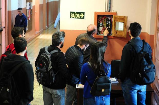 Escolas estaduais de Caxias começam a receber vistorias na rede elétrica Diogo Sallaberry/Agencia RBS