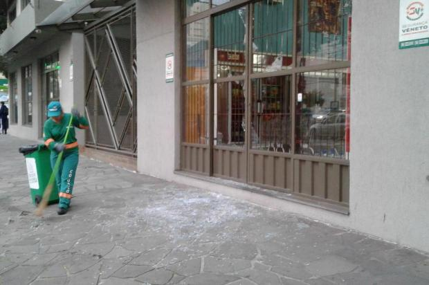 Princípio de incêndio atinge mercado em Caxias Lizie Antonello/Agência RBS