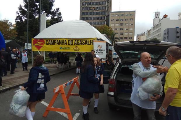 Três mil peças são arrecadadas nas primeiras horas de Campanha do Agasalho em Caxias Lucas Demeda/Agência RBS