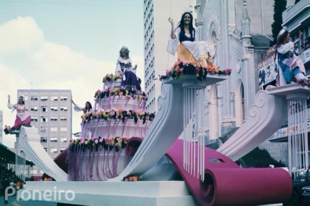 Vídeo resgata detalhes da escolha da rainha e princesas nas décadas de 1960 e 1970 Reprodução/