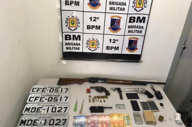 BM prende trio envolvido em roubo de veículos em Caxias do Sul Brigada Militar/Divulgação