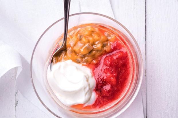 Na cozinha: purê de morango com iogurte e maracujá doce Nestlé / Divulgação/Divulgação