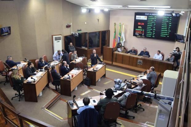 Câmara de Vereadores de Caxias aprova moção com sugestões para resolver impasse sobre tarifa de ônibus Franciele Masochi Lorenzett/Divulgação