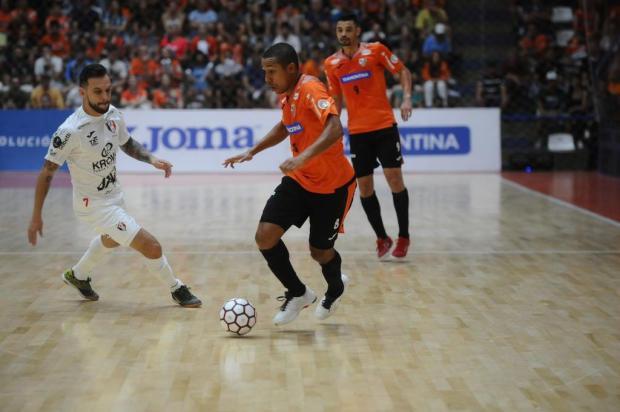 ACBF joga pela liderança isolada da Liga Futsal nesta sexta-feira Lucas Amorelli/Agencia RBS