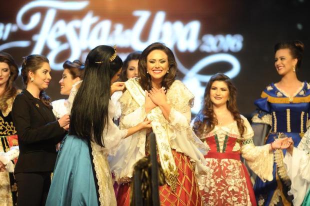 Despedindo-se da Festa da Uva, princesa Patrícia Zanrosso recorda com carinho do agradecimento presidencial à mãe Felipe Nyland/Agencia RBS
