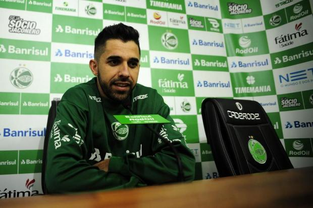Volante Lucas volta a treinar com o Juventude, após sete meses afastado por doping Marcelo Casagrande/Agencia RBS