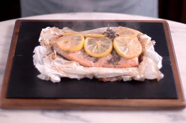 Na cozinha: aprenda a fazer salmão no papillote Tastemade / Divulgação/Divulgação
