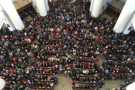 Santuário de Caravaggio, em Farroupilha, já recebeu mais de 60 mil fiéis neste sábado (Raquel Fronza/agencia RBS)