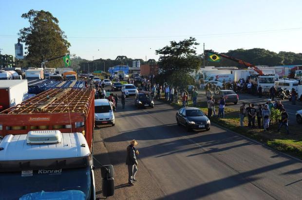 Sindicato dos Distribuidores pede apoio policial para entregar combustível Porthus Junior/Agencia RBS