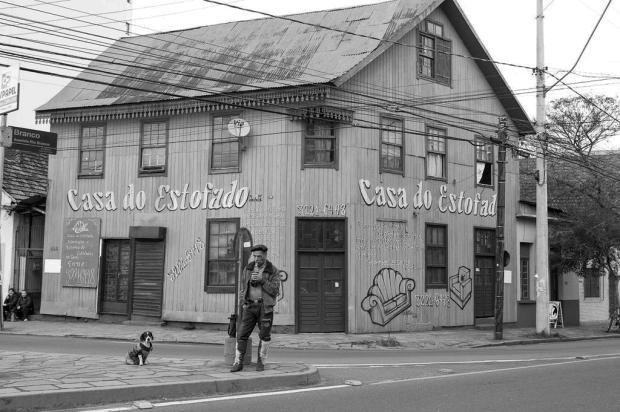 Vizinhos de casarão incendiado lembram com saudades de personagem icônico do bairro Rio Branco, em Caxias do Sul Bruno Zulian/Divulgação
