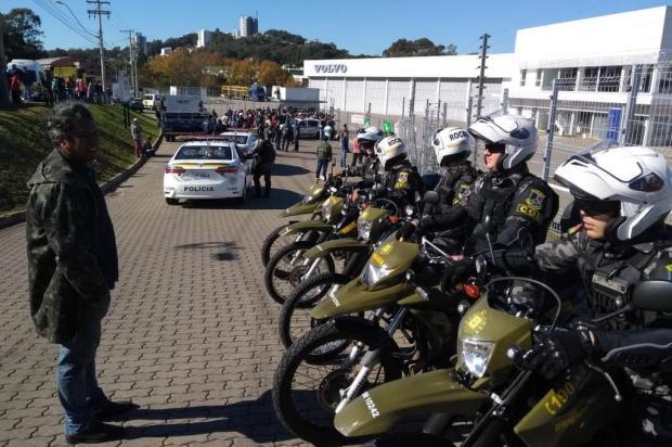 Manifestantes bloqueiam saída de caminhões que abasteceriam postos de combustível em Caxias Adriano Duarte/Agencia RBS