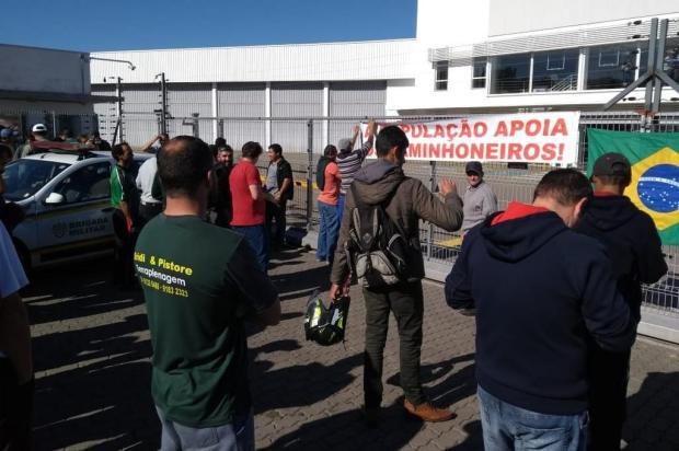 Brigada Militar trabalha para liberar ainda nesta terça combustível que já chegou a Caxias Adriano Duarte/Agencia RBS