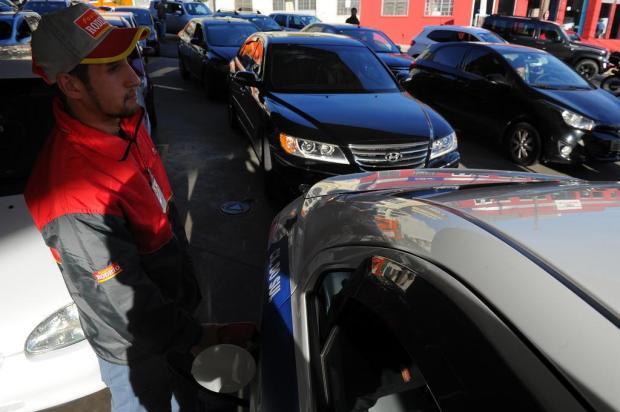 Gasolina em Caxias: postos limitam venda e espera na fila passa de uma hora Felipe Nyland/Agencia RBS