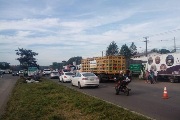Caminhoneiros começam a se desmobilizar em estradas da Serra PRE / Divulgação/Divulgação