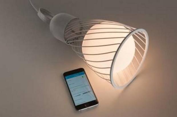 Luminária acionada pelo celular e que imita o ciclo biológico é lançada em Caxias Guilherme Jordani/divulgação