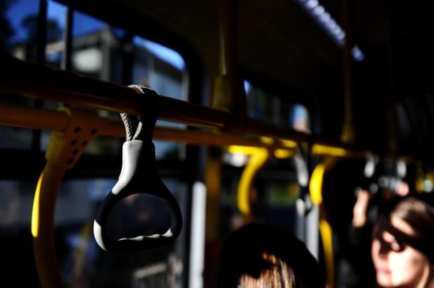 A cada dois dias uma pessoa cai no ônibus em Caxias do Sul Lucas Amorelli/Agencia RBS