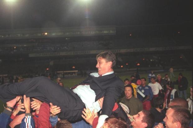 Na conquista do Gauchão 2000, treinador da Seleção surpreendeu o favorito Grêmio Porthus Junior/Agencia RBS