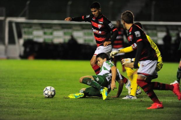 Juventude joga mal e busca empate nos acréscimos contra o Atlético Goianiense Porthus Junior/Agencia RBS