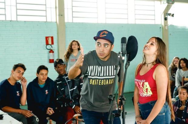 3por4: Confira algumas rimas criadas por estudantes de Caxias participantes do Cultura Hip Hop Jéssica Drew/Divulgação