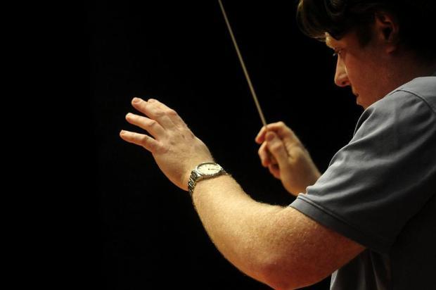 """""""A música é a linguagem universal"""", diz maestro que regerá concerto da Osucs nesta quinta-feira, em Caxias do Sul Marcelo Casagrande/Agencia RBS"""