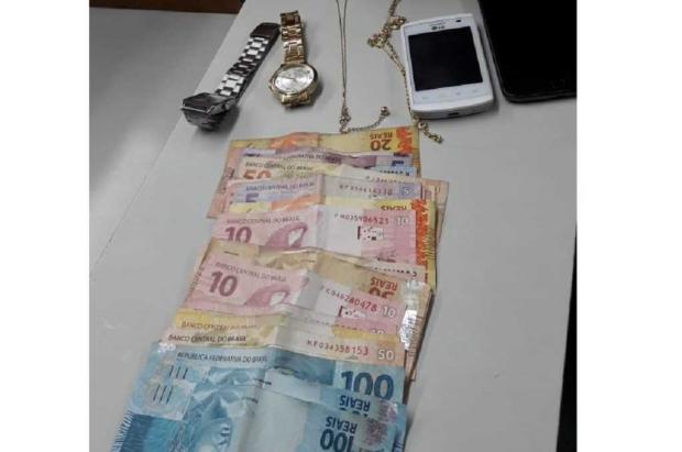 Jovem é preso com joias e relógios roubados em Bento Gonçalves Brigada Militar/