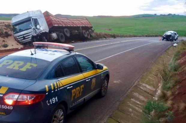 Homem fica preso nas ferragens e morre em acidente na BR-285, em Muitos Capões PRF/Divulgação
