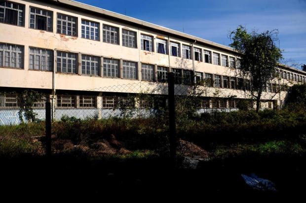 Enquanto espera pelo início das obras, prédio do Instituto Cristóvão de Mendoza é retrato de abandono Lucas Amorelli/Agencia RBS