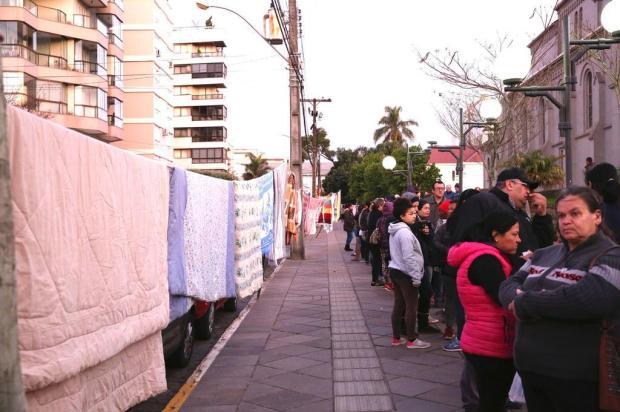 Varal Solidário distribui cobertores e agasalhos em Farroupilha Adroir Fotógrafo/Divulgação