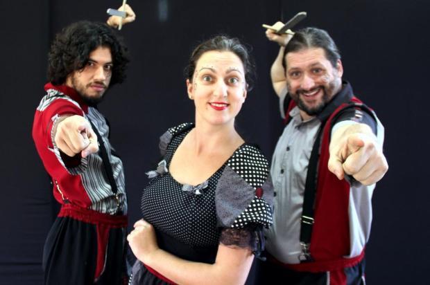 Peça do Grupo Ueba será apresentada pela primeira vez em Caxias Fernando Gomes/Divulgação