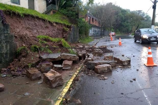 Chuvas causam alagamentos e desmoronamentos em Bento Gonçalves Defesa Civil de Bento Gonçalves/Divulgação