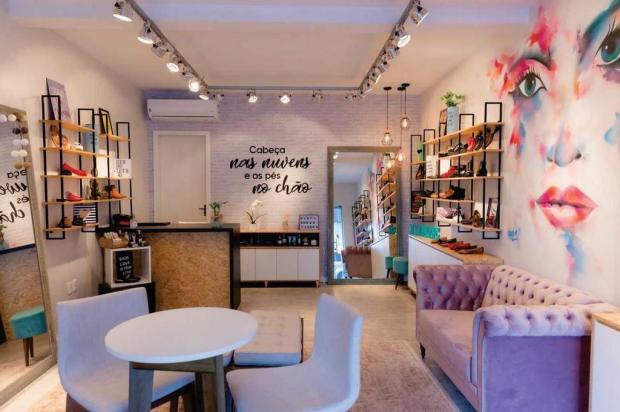 Boutique especializada em sapatos sem saltos abre em Caxias Evandro Stocco/divulgação