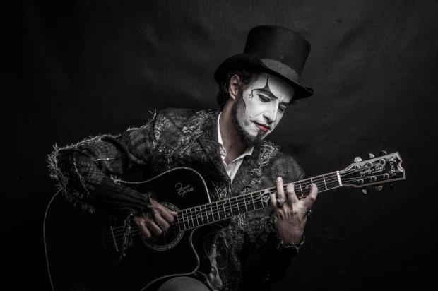 Agenda: músico do O Teatro Mágico faz apresentação solo em Caxias Filipe Nevares/Divulgação