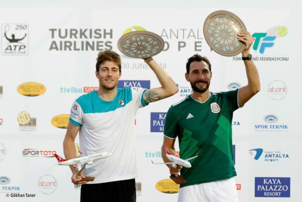 Caxiense Marcelo Demoliner conquista seu primeiro torneio da ATP na Turquia Divulgação/