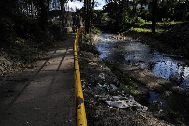 Arroio Tega: Na área urbana, construções sem restrições e muito lixo Marcelo Casagrande/Agencia RBS