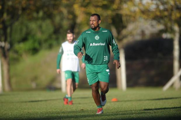 Elias não treina e será desfalque no Juventude contra o Fortaleza Porthus Junior/Agencia RBS