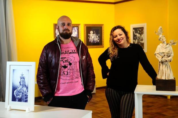 """3por4: Daniela Antunes e Rafael Dambros conduzem papo sobre processos da exposição """"ReLigare"""", em Caxias Diogo Sallaberry/Agencia RBS"""
