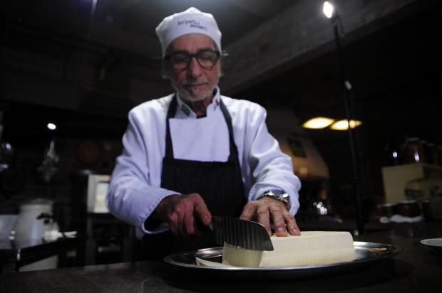 """Veja como fazer ricota e queijo """"primo sale"""" em casa. Receitas são do chef Giuseppe Giudizi Marcelo Casagrande/Agencia RBS"""