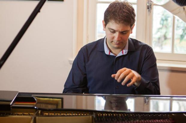 Fernando Rauber apresenta recital com obras de Chopin e Liszt em Caxias do Sul Débora Zandonai e Leandro Rodrigues/divulgação
